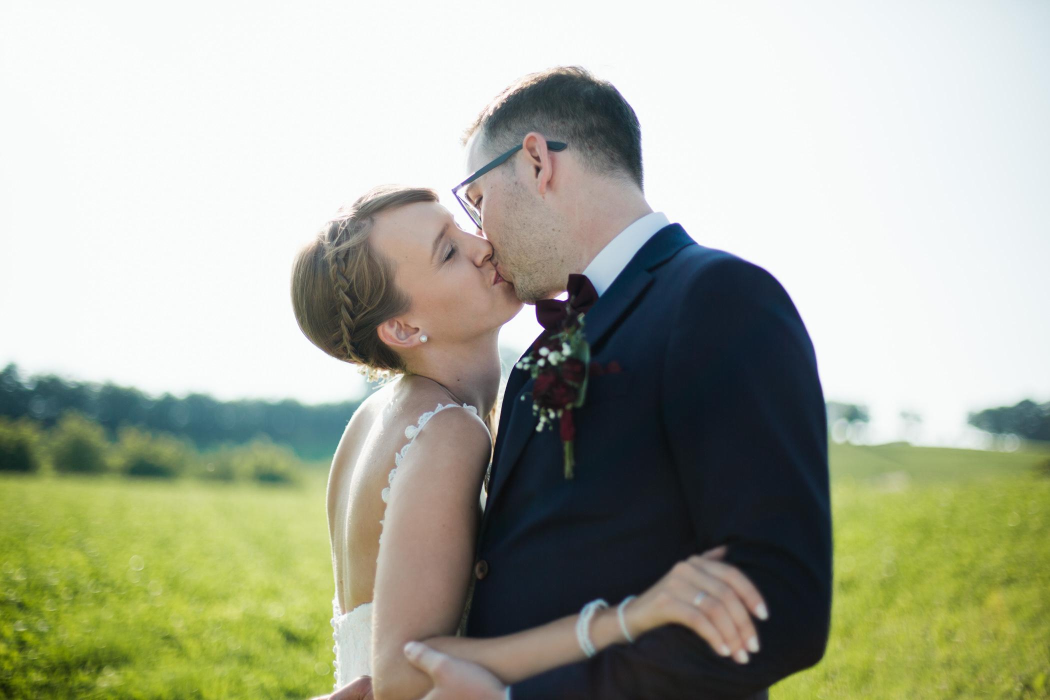 romantische Paarfotos Bern Gurten Wiese